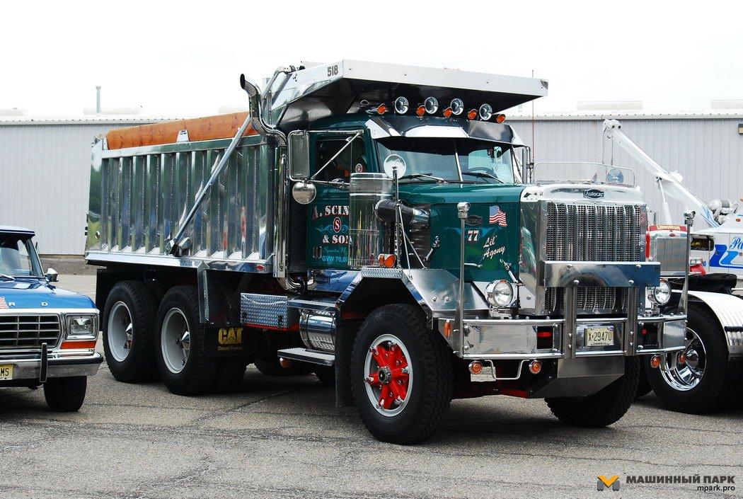 Американские классические грузовики: http://mpark.pro/experience/108-american-classic-trucks.html