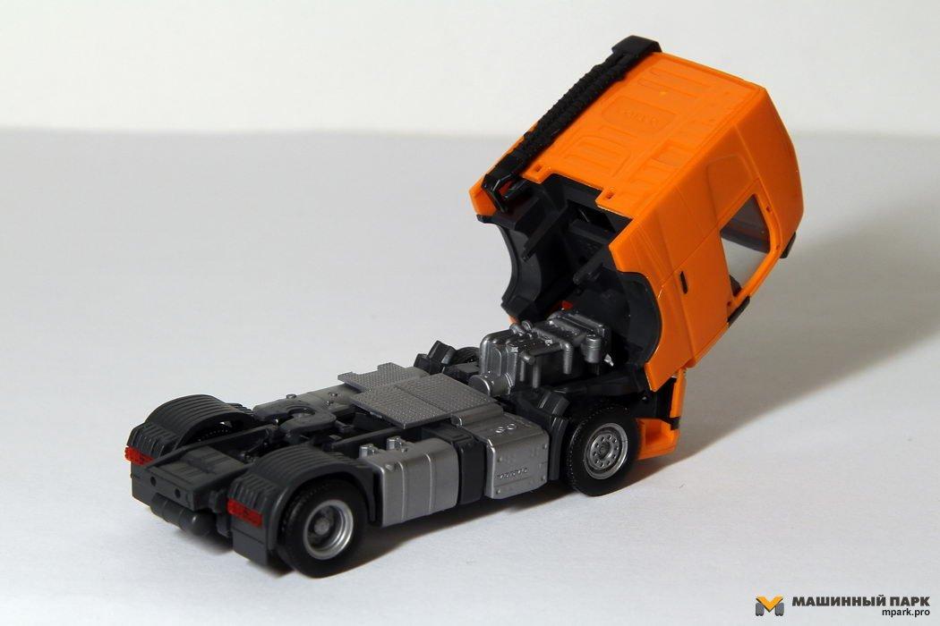 """Новый Volvo FH в масштабе 1/87. Нюансы """"моделек"""" разных фирм"""