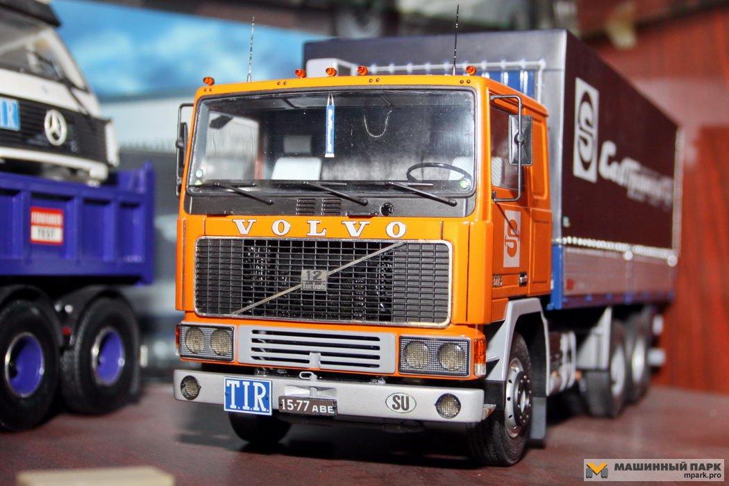 Volvo F12 Sovtransavto в маштабе 1:25. Модель ручной работы