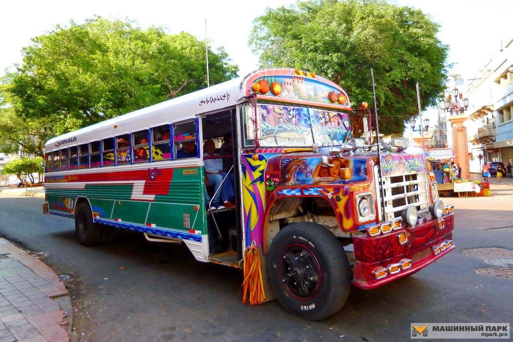 """Национально-колоритные автобусы """"народных промыслов"""" бедных стран"""